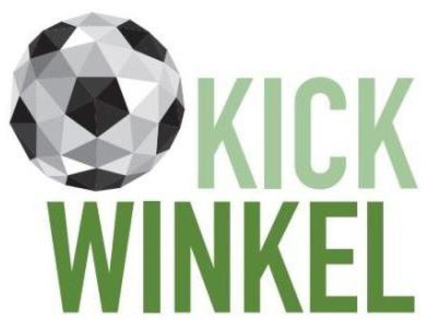Das Logo von Kickwinkel. Ein Fussball mit einem Kickwinkel Schriftzug.